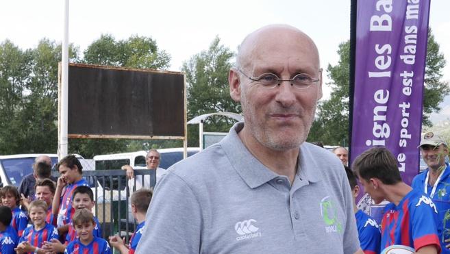 Personnalité très populaire dans l'univers du rugby, Bernard Laporte était à Digne récemment.