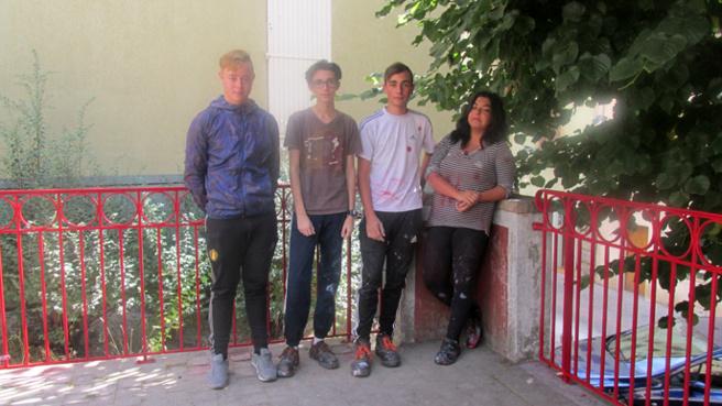 Les jeunes de l'ADSEA et la ville de Digne-les-Bains