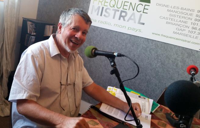 Régis Coulange présente l'actualité des Droits humains, et le Grand concert pour AMNESTY INTERNATIONAL