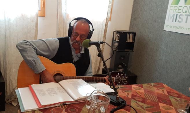 Rencontre avec les chansons de Gérard Amillard dans Quartier Libre