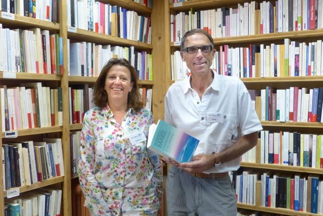 """Changement de propriétaires à la librairie """"Le Bleuet"""" à Banon"""