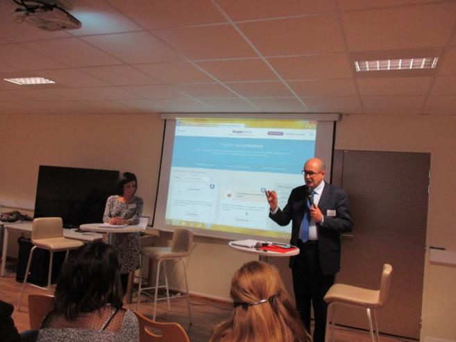 Pôle Emploi encourage les entreprises à utiliser le net pour recruter