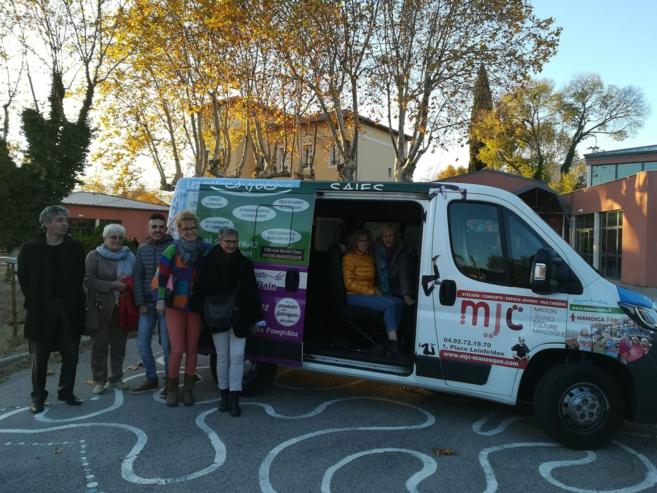 Un minibus pour la jeunesse manosquine en mouvement
