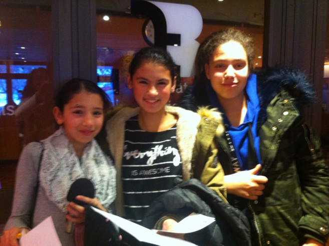 Fatin, Mariam et Sarah sont prêtes pour les interviews!