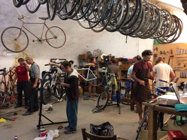 Amener, partager, réparer  avec l'Atelier Cyclonique de Briançon