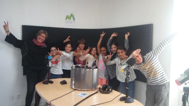 Des jeunes Manosquins en vacances à la radio