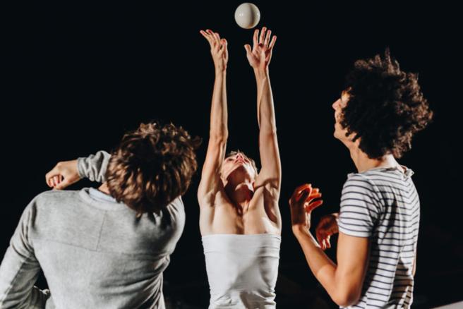Jonglez avec « Dystonie » ce soir au Théâtre La Passerelle !
