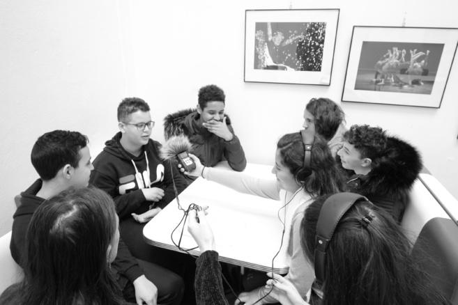 Enquête radiophonique sur le cyber-harcèlement par des jeunes manosquins