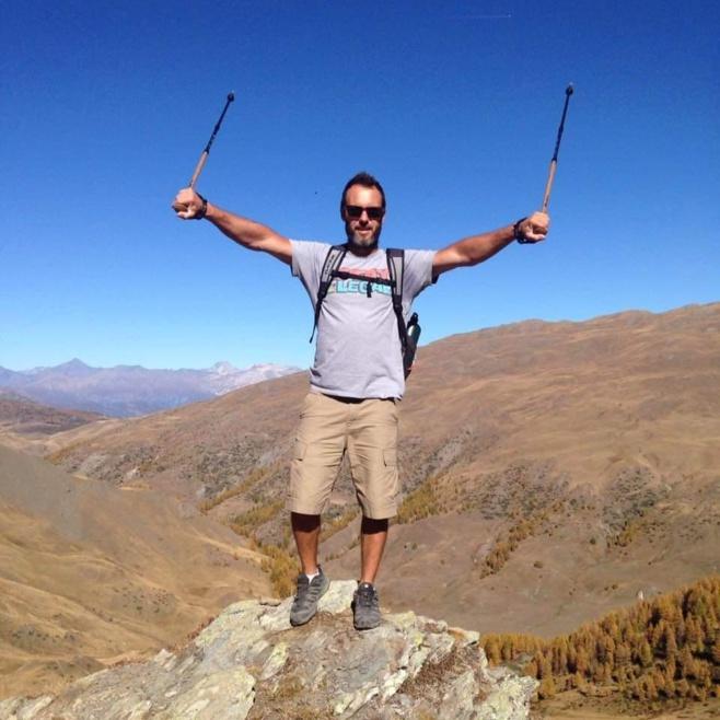 Le  champion Laurent Guyot à repris son activité : le snowkite après près de 8 semaines de confinement dans les Hautes-Alpes.