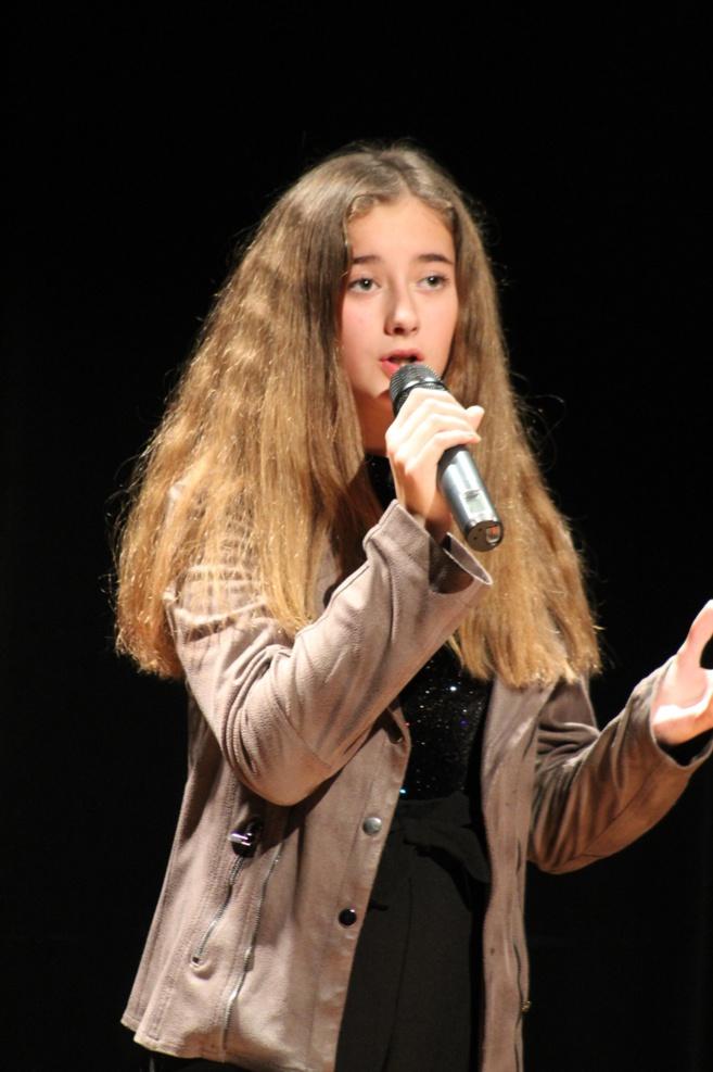 Ma Genta une chanteuse qui promet.... Une belle voix !