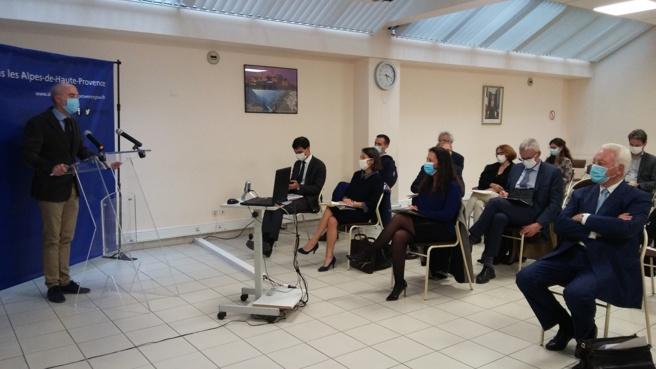 Maires et services de l'état en visioconférence et tandems