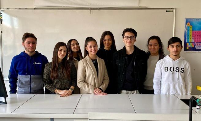 Le lycée HamaskaÏne de marseille participe au concours national des Olympiades de Chimie !