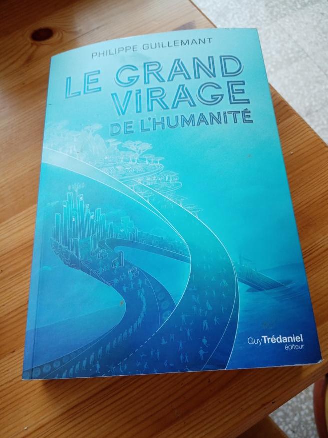 Evénement : Philippe Guillemant vient présenter son nouveau livre devant la librairie regain à Reillanne