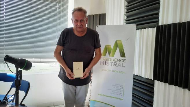 """Michel Ivonio présente son nouveau livre """"Les Iles"""""""