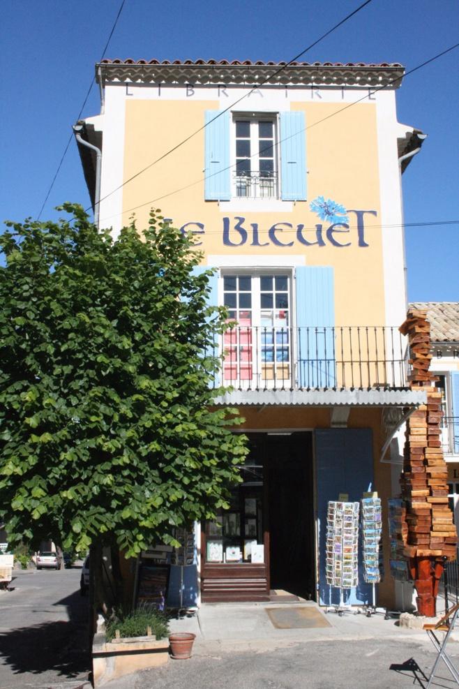 Les rencontres estivales à la librairie Le Bleuet à Banon