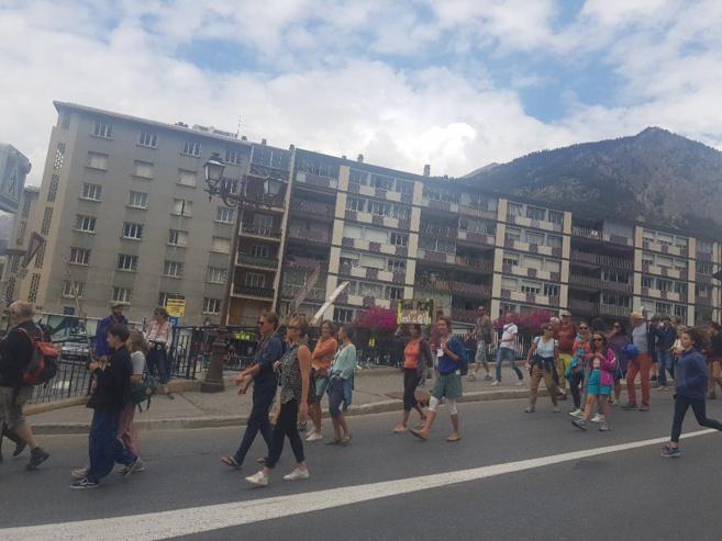 Sous le signe de la rentrée scolaire, une nouvelle manifestation contre le pass sanitaire à Briançon