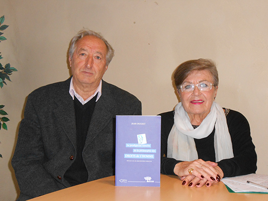 Publication d'un livre sur les droits de l'hommme à l'université populaire de Forcalquier.