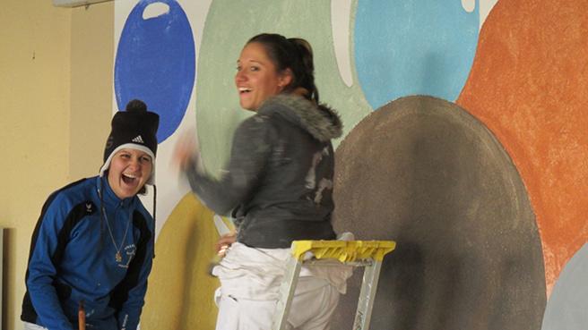 Des apprentis du CFA de Digne ont réalisé une fresque murale avec des ocres.