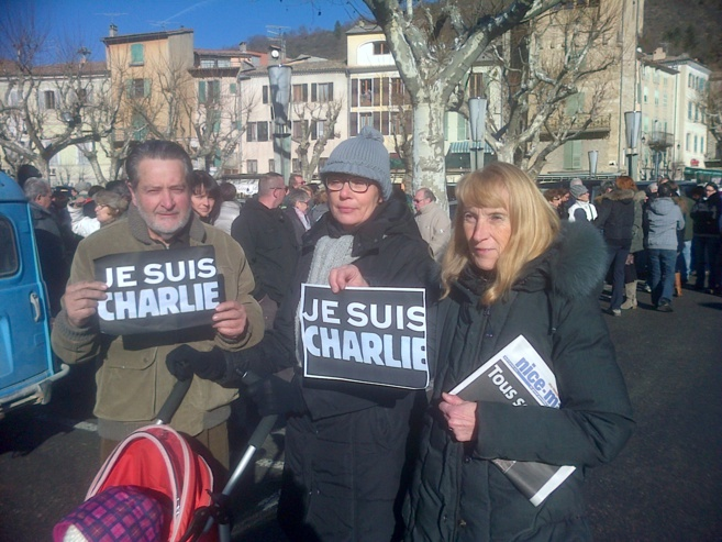 La minute de silence pour Charlie à Castellane