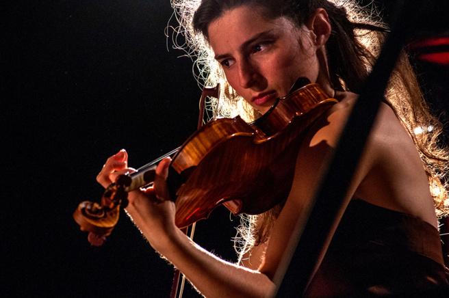 Quatre concerts de la violoniste Anna Göckel dans les Hautes-Alpes