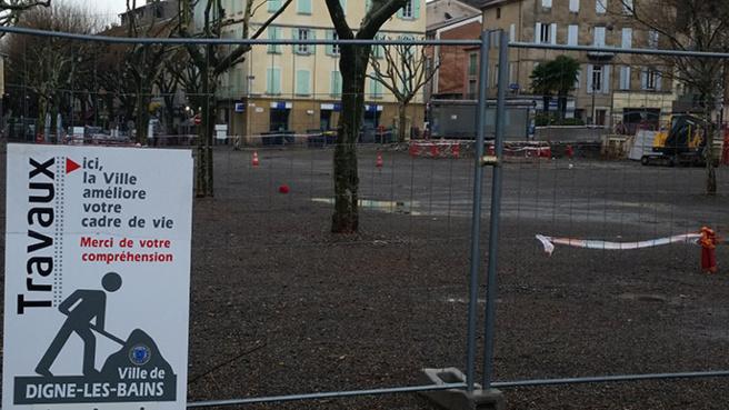 Les travaux de la Place du Général de Gaulle vont bon train à Digne.