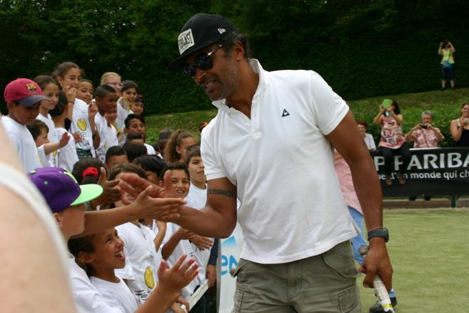 Yannick Noah encourage le tennis pour tous