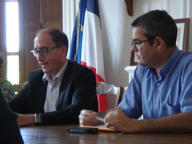Le sénateur Jean-Yves Roux en visite dans le canton de Riez