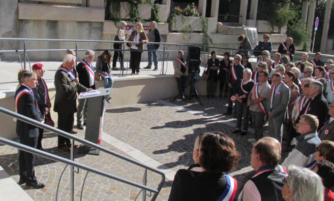 Les maires du 04 manifestaient à Digne samedi