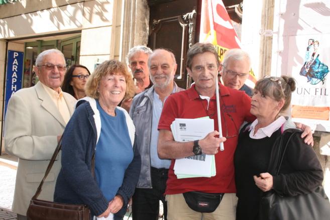 La photo a été prise après le rassemblement, le nombre de militants s'était donc fortement réduit.