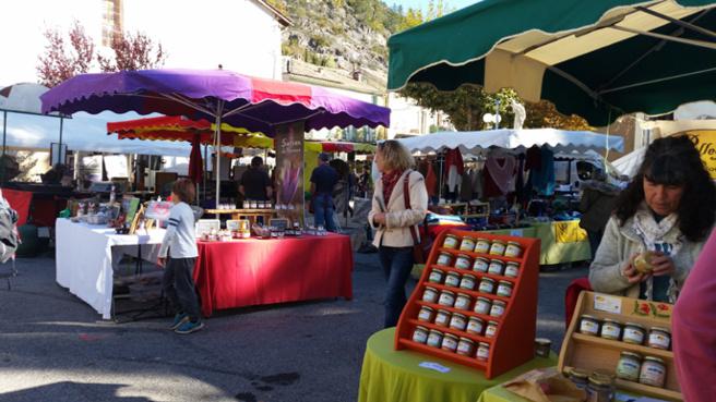 La poire Sarteau a été dignement fêtée à La Javie