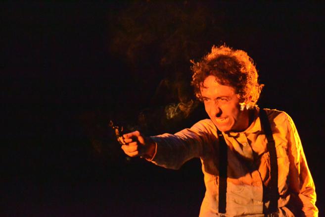 Poésie et émotion était au rendez-vous au Centre Culturel Samedi dernier avec le Comédien et Metteur en scène Carlos Gallegos
