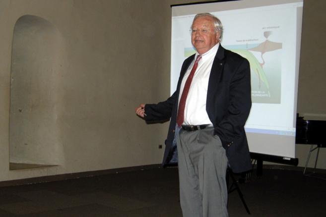Le Professeur Xavier Le Pichon a évoqué les séismes à Sisteron
