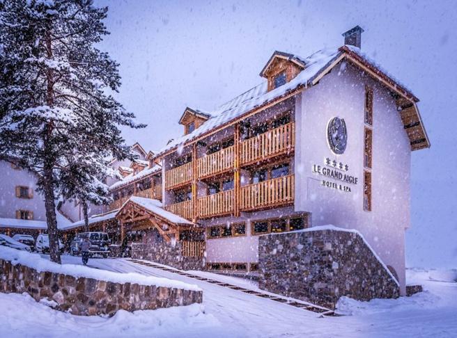 s ance de spa et relaxation apr s une journ e de ski l offre bien tre de l h tel le grand aigle. Black Bedroom Furniture Sets. Home Design Ideas