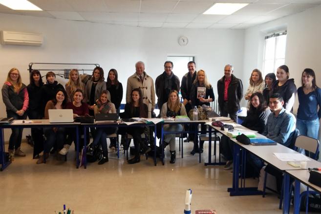 Les bons points de l'école de préparateurs en pharmacie à Sisteron !