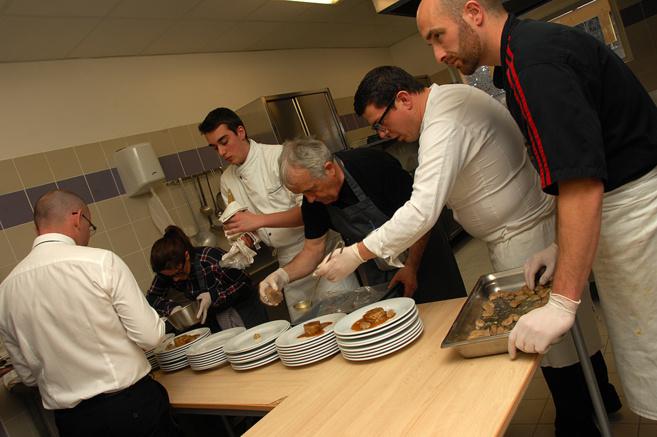 Un repas pour vaincre la mucoviscidose à Annot avec le chef Julien Lepine