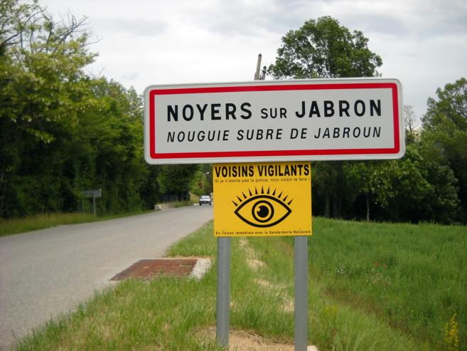 Un protocole officiel encourage la vigilance citoyenne des voisins à Noyers sur Jabron !