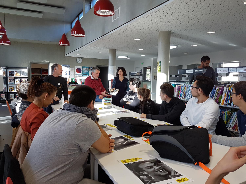 Amnesty International à la rencontre de lycéens dignois de Pierre Gilles de Gennes
