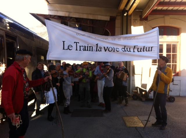 Manifestation le 10 décembre à la gare de Briançon