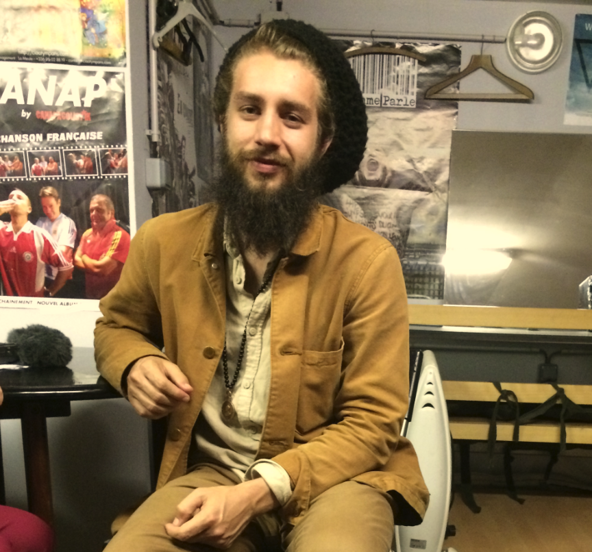 Le reggae « Nouvelle Calédonie » de Marcus Gad lors de son concert au Kféquoi