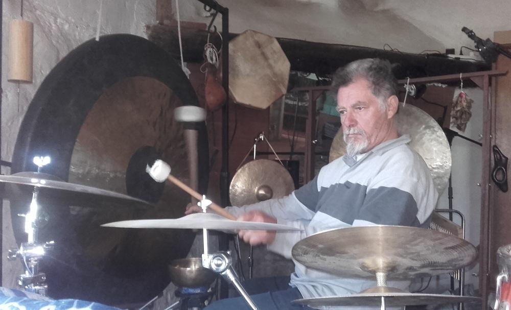 Les gongs vont vibrer à la galerie Fred K.