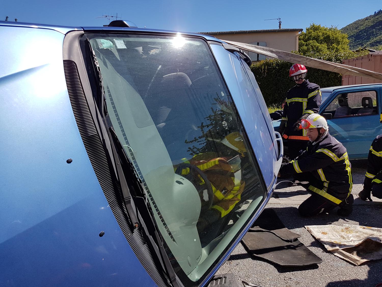 Secours routiers : recyclage modernisant pour les pompiers