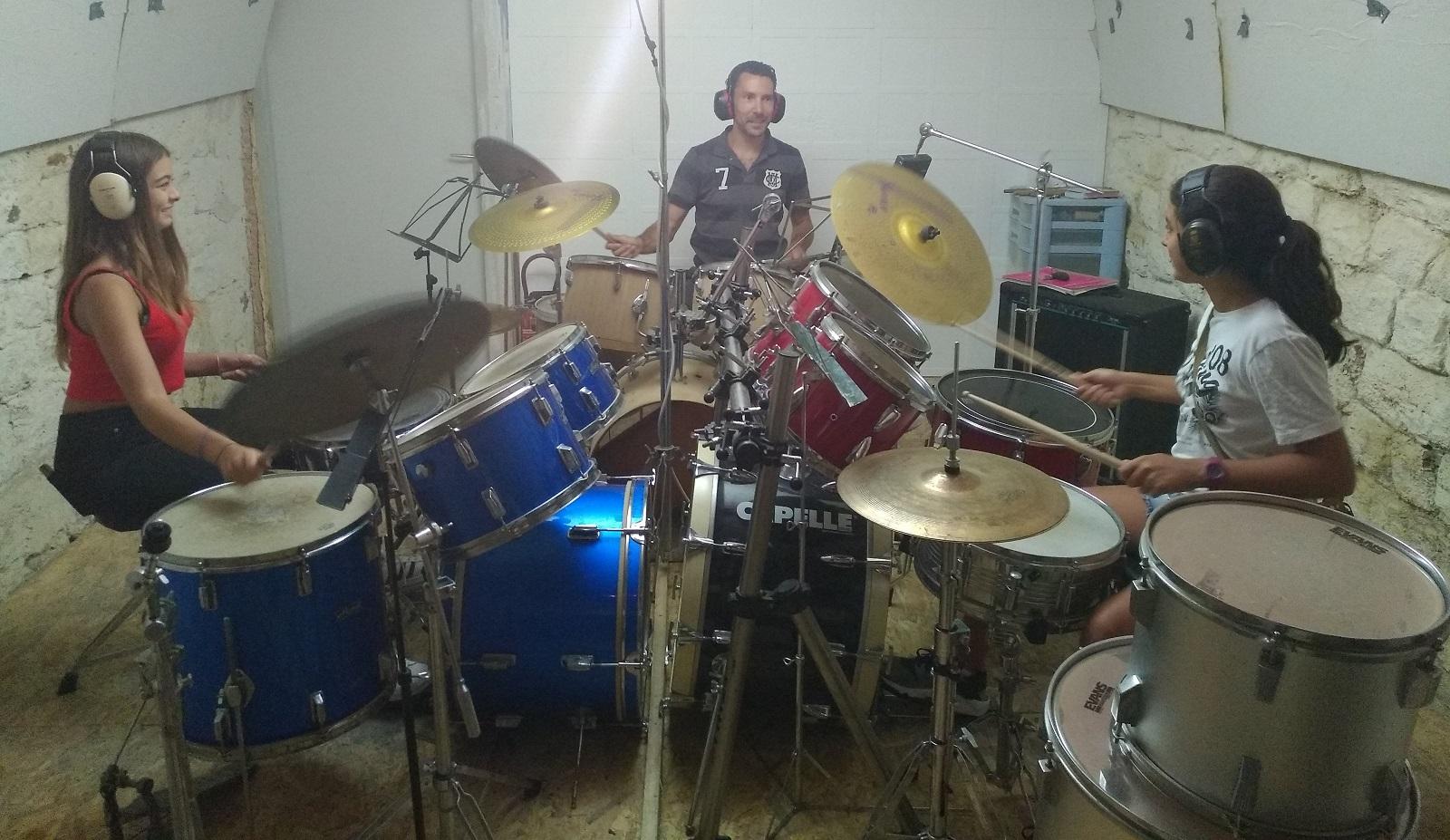 Julien Fuentes a créé son école de batterie