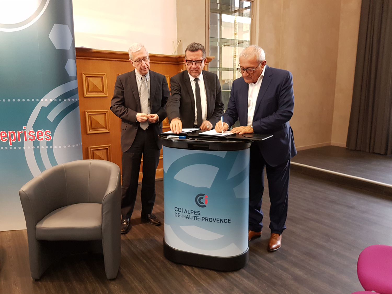 La CCI 04 et les services de l'URSSAF officialisent un partenariat constructif