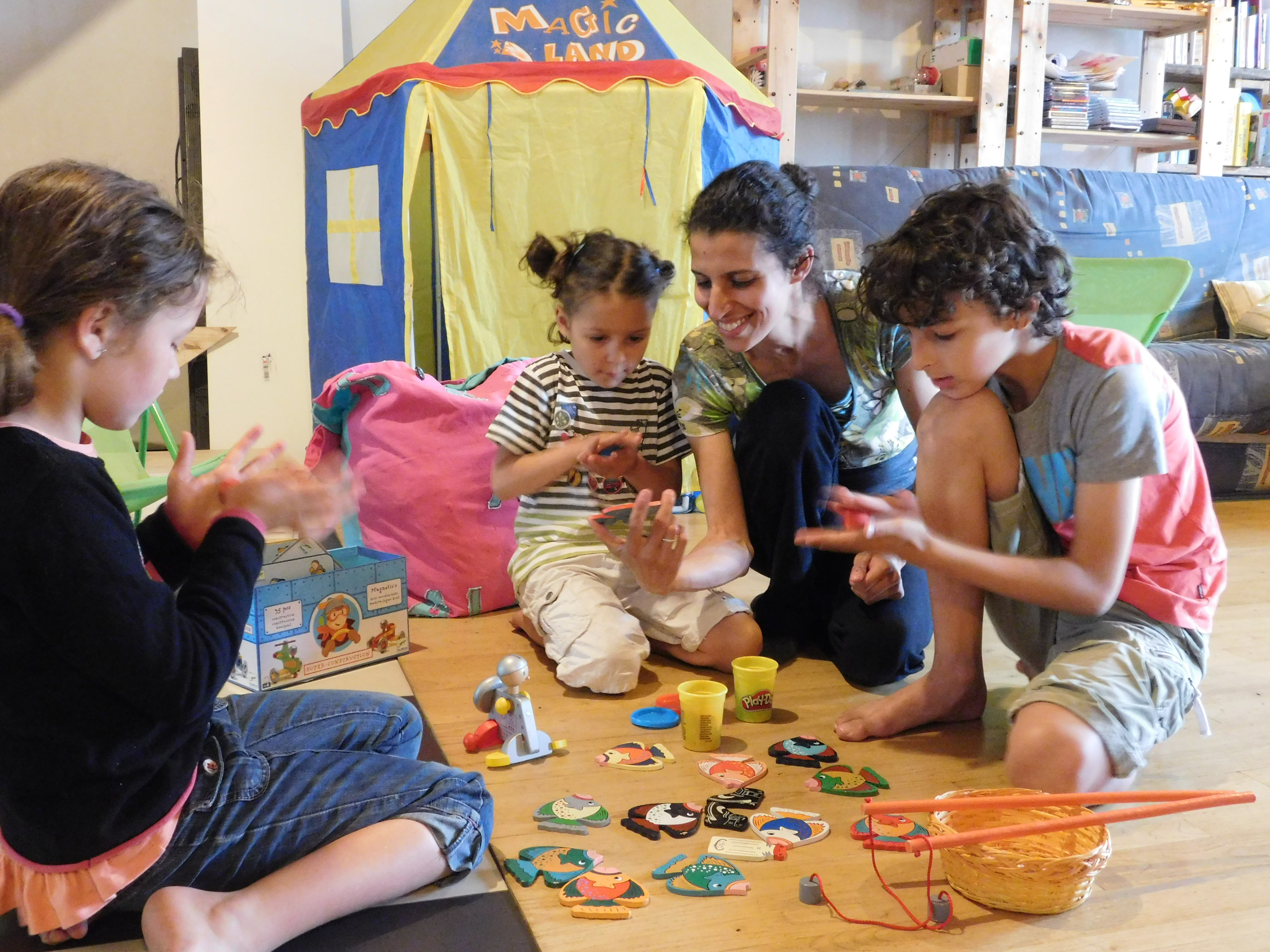 Les gamins d'abord : l'atout garde d'enfant à domicile de Briançon