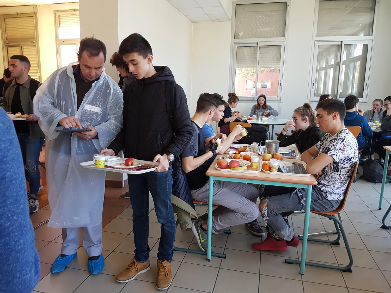 Des lycéens se penchent sur le gaspillage alimentaire à Digne