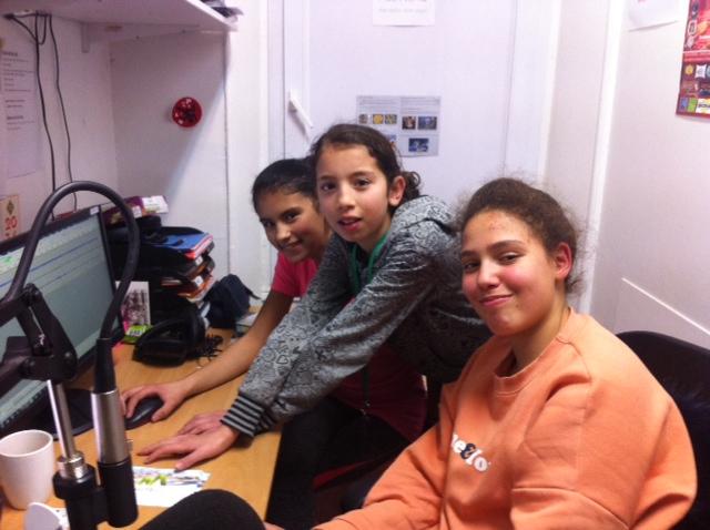 Le montage du son : Sarah, Mariam et Fatin