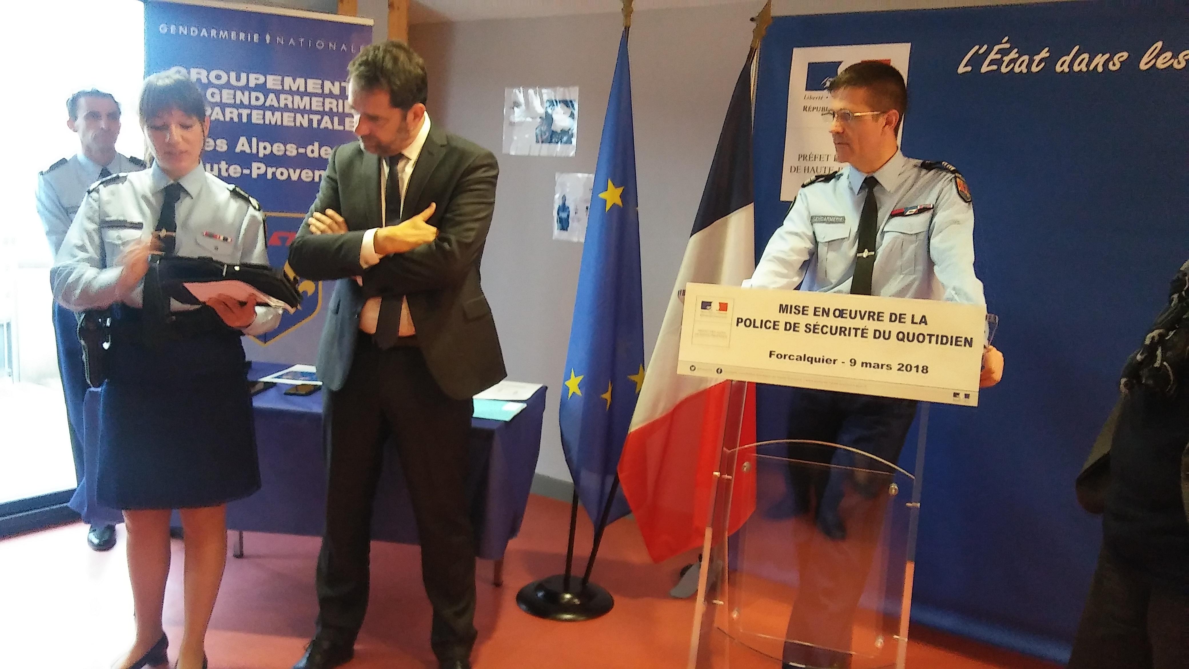 Police et gendarmerie: les missions et moyens évoluent