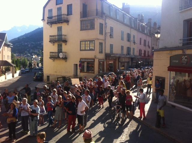 Une déambulation solidaire et festive pour la MJC de Briançon