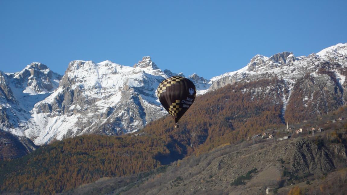 La montgolfière pour découvrir Briançon autrement