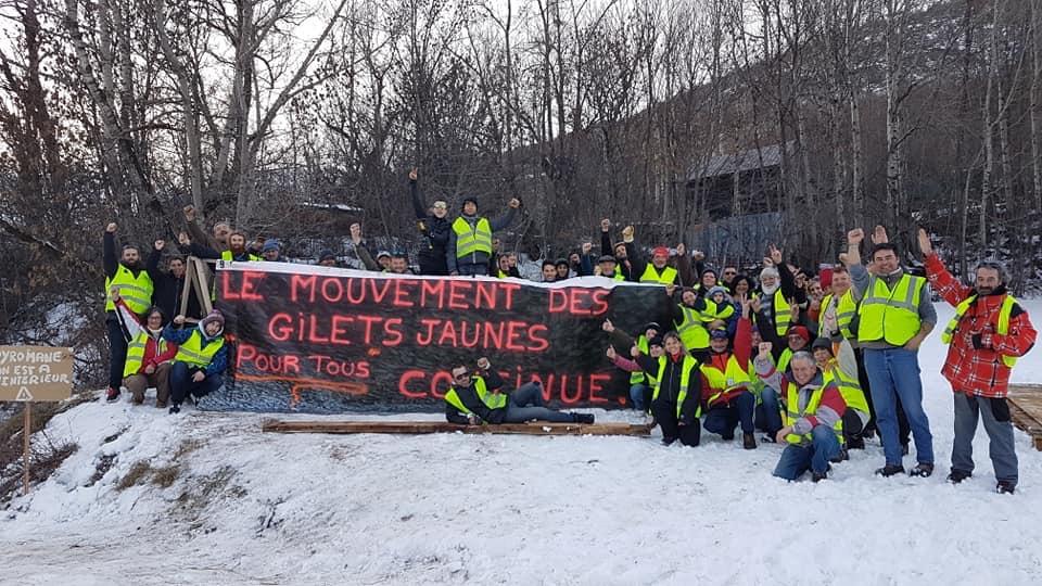 Après plus d'un mois de mobilisation, les Gilets Jaunes ne désarment pas à Briançon !